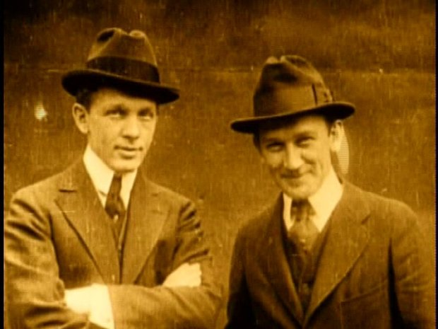Ernest et George Williamson (photogramme Hédy Sellami)