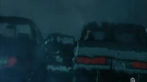 We own the night (La nuit nous appartient, 2007) de James Gray : descente de police dans la boîte; et attaque en voiture (HD)