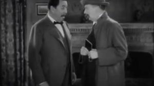 Charlie Chan in London (1934) d'Eugene Forde : tentative de meurtre contre le détective chinois