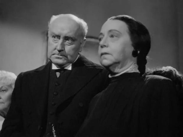 Minna Phillips dans Sherlock Holmes faces death (Echec à la mort, 1943)