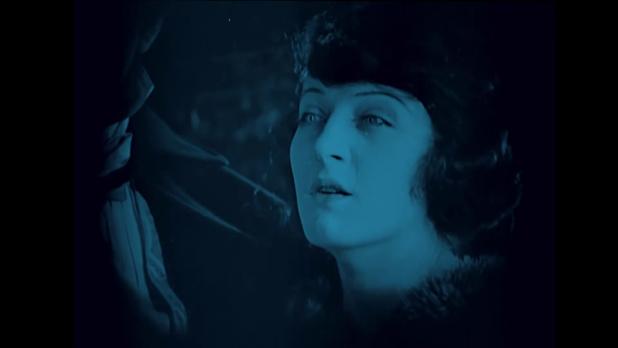 Martha Mansfield dans Dr. Jekyll and Mr. Hyde (Docteur Jekyll et M. Hyde, 1920) de John S. Robertson