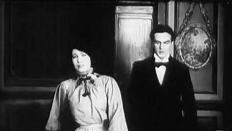 Le coupable (1917) : à gauche, Zéphora Mossé; à droite, Romuald Joubé