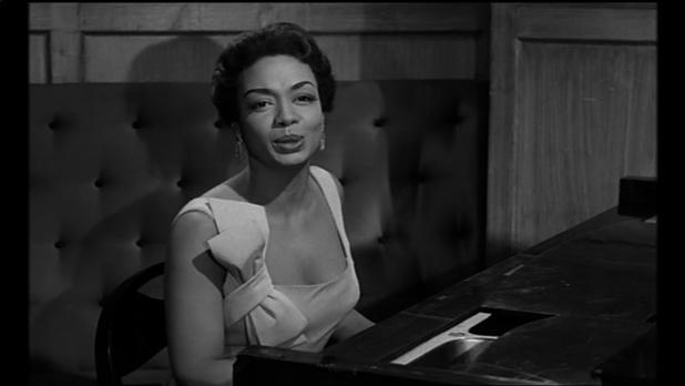 Hazel Scott dans le film Le désordre et la nuit