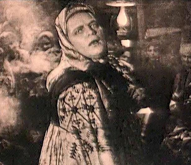 Бабы рязанские (Le village du péché, 1927) de Ольга Ивановна Преображенская (Olga Ivanovna Preobrajenskaïa) et Иван Константинович Правов (Ivan Konstantinovitch Pravov) : la noce