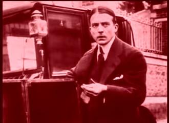 Les vampires (1915/1916) de Louis Feuillade : Irma Vep; les invités gazés; et Vénénos saute sur un train en marche