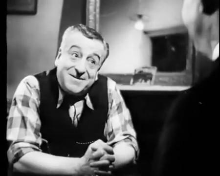 La goualeuse (1938) de Fernand Rivers : Lys Gauty chante Le bonheur est entré dans mon coeur; et la fin