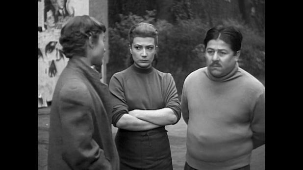 Rosy Varte et Francis Blanche dans le film Minuit ... Quai de Bercy