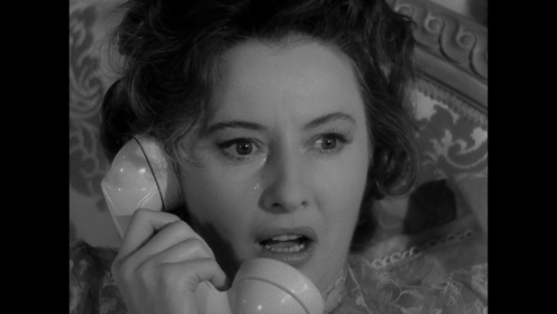 Barbara Stanwyck dans le film Sorry, wrong number