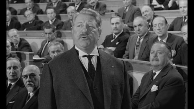 Jean Gabin est l'ancien président du Conseil dans le film Le président