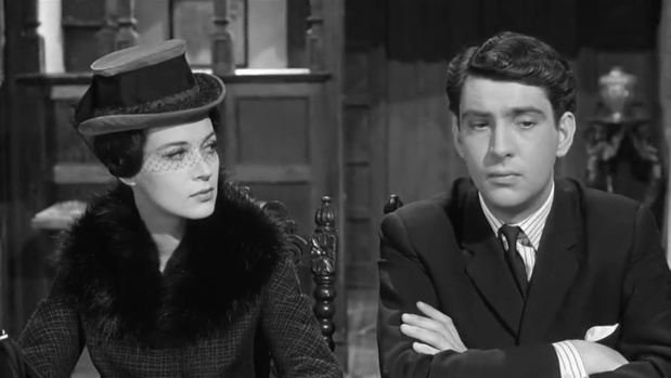 Katya Douglas et James Villiers dans Murder at the Gallop (Meurtre au galop, 1963) de George Pollock