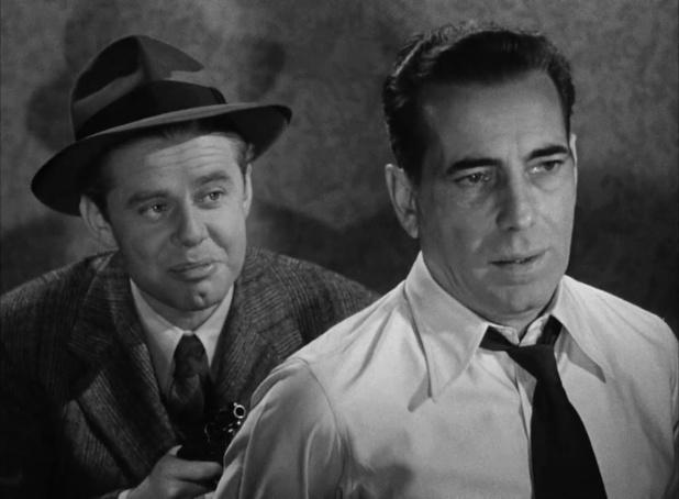 Clifton Young et Humphrey Bogart dans le film noir américain Dark passage (Les passagers de la nuit, 1947) de Delmer Daves