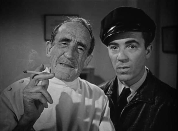 Tom D'Andrea et Houseley Stevenson dans le film policier Dark passage (Les passagers de la nuit, 1947) de Delmer Daves