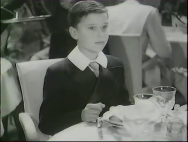Jean-Claude Debully dans le film français Alerte en Méditerranée (1938) de Léo Joannon