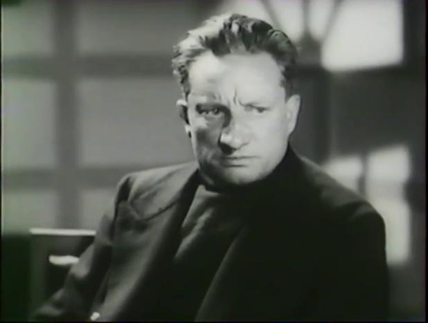 René Bergeron est Dulac dans le film Alerte en Méditerranée (1938) de Léo Joannon