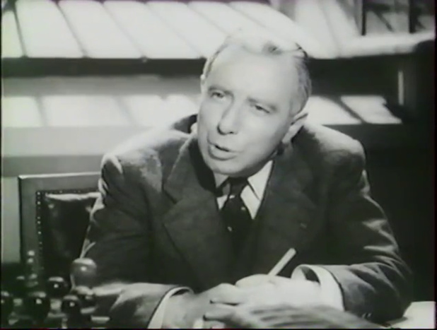Louis Seigner est le commissaire dans le film français Alerte en Méditerranée (1938) de Léo Joannon