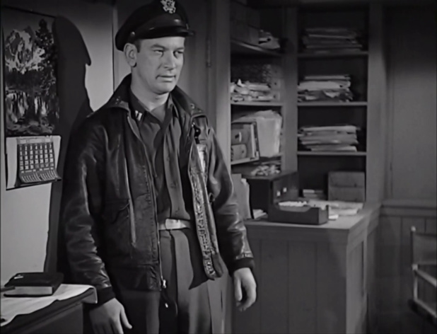 Kenneth Tobey dans The thing from another world (La chose d'un autre monde, 1951) de Christian Nyby