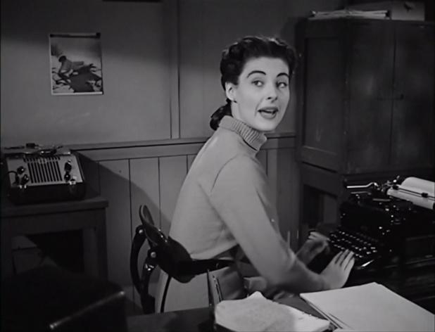 Margaret Sheridan dans le film américain The thing from another world (La chose d'un autre monde, 1951) de Christian Nyby