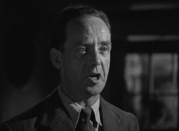 Mervyn Johns dans le film britannique The halfway house (L'auberge fantôme, 1944) de Basil Dearden