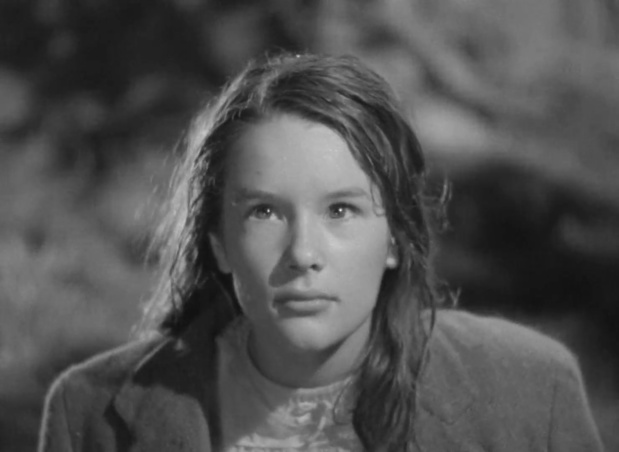Sally Ann Howes dans le film britannique The halfway house (L'auberge fantôme, 1944) de Basil Dearden