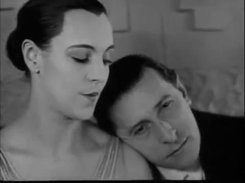 Génica Athanasiou et Charles Dullin dans le film Maldone (1928) de Jean Grémillon