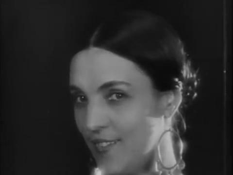 Genica Athanasiou dans le film muet français Maldone (1928) de Jean Grémillon
