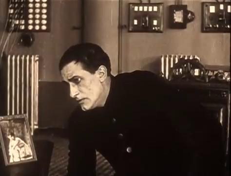 René Cresté dans le film muet à épisodes Judex (1916) de Louis Feuillade