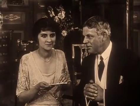 Yvette Andreyor et Louis Leubas dans le film muet à épisodes Judex (1916) de Louis Feuillade