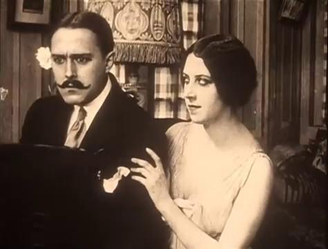 Jean Devalde et Musidora dans le film muet à épisodes Judex (1916) de Louis Feuillade