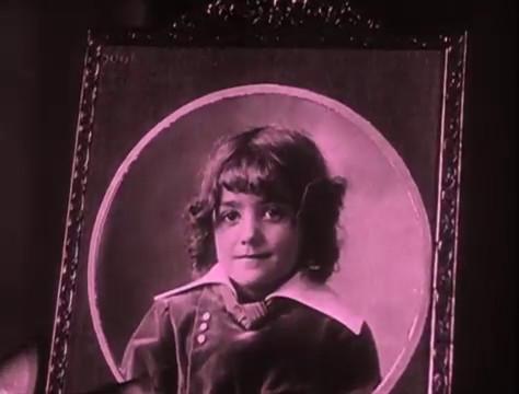 Olinda Mano dans le film Judex (1916) de Louis Feuillade
