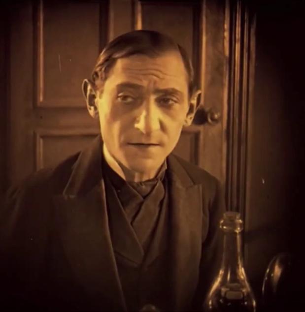 Ujváry Lajos dans le film hongrois Egy fiúnak a fele (1924) de Géza von Bolváry