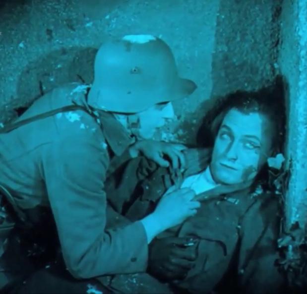 Image du film muet hongrois Egy fiúnak a fele (1924) de Géza von Bolváry