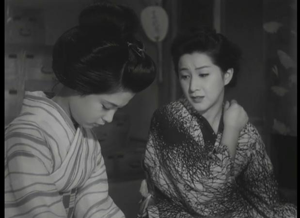若尾文子 (Ayako Wakao) et 木暮実千代 (Michiyo Kogure) dans 祇園囃子 (Les musiciens de Gion, 1953) de 溝口 健二 (Kenji Mizoguchi)