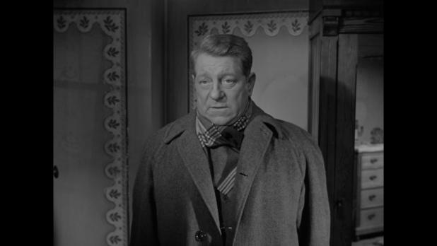 Jean Gabin dans le film Le cas du docteur Laurent (1957) de Jean-Paul Le Chanois