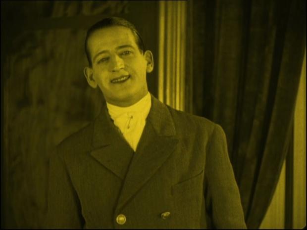Armand Dufour dans Gribiche