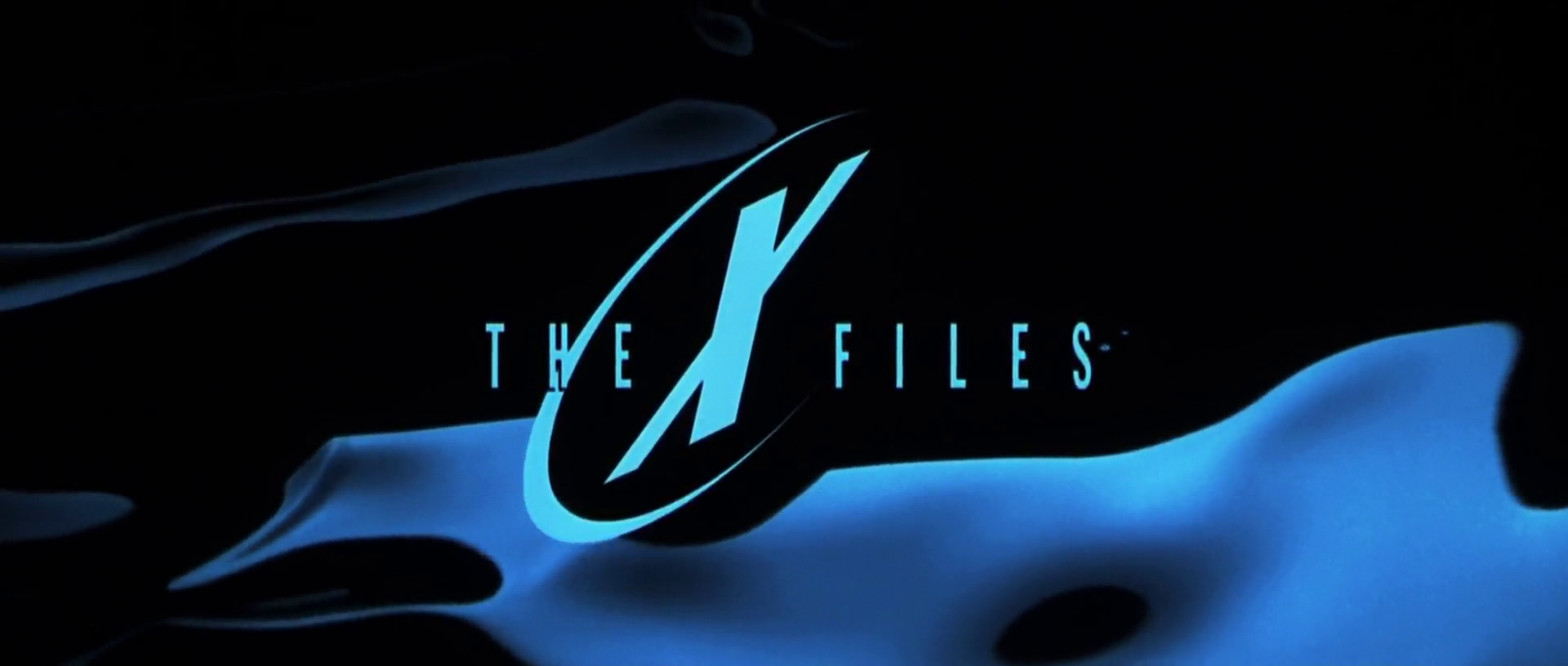 The X-Files : Fight the Future (X-Files, le film : Combattre le futur, 1998) de Rob Bowman : l'attentat contre la tour; et les abeilles