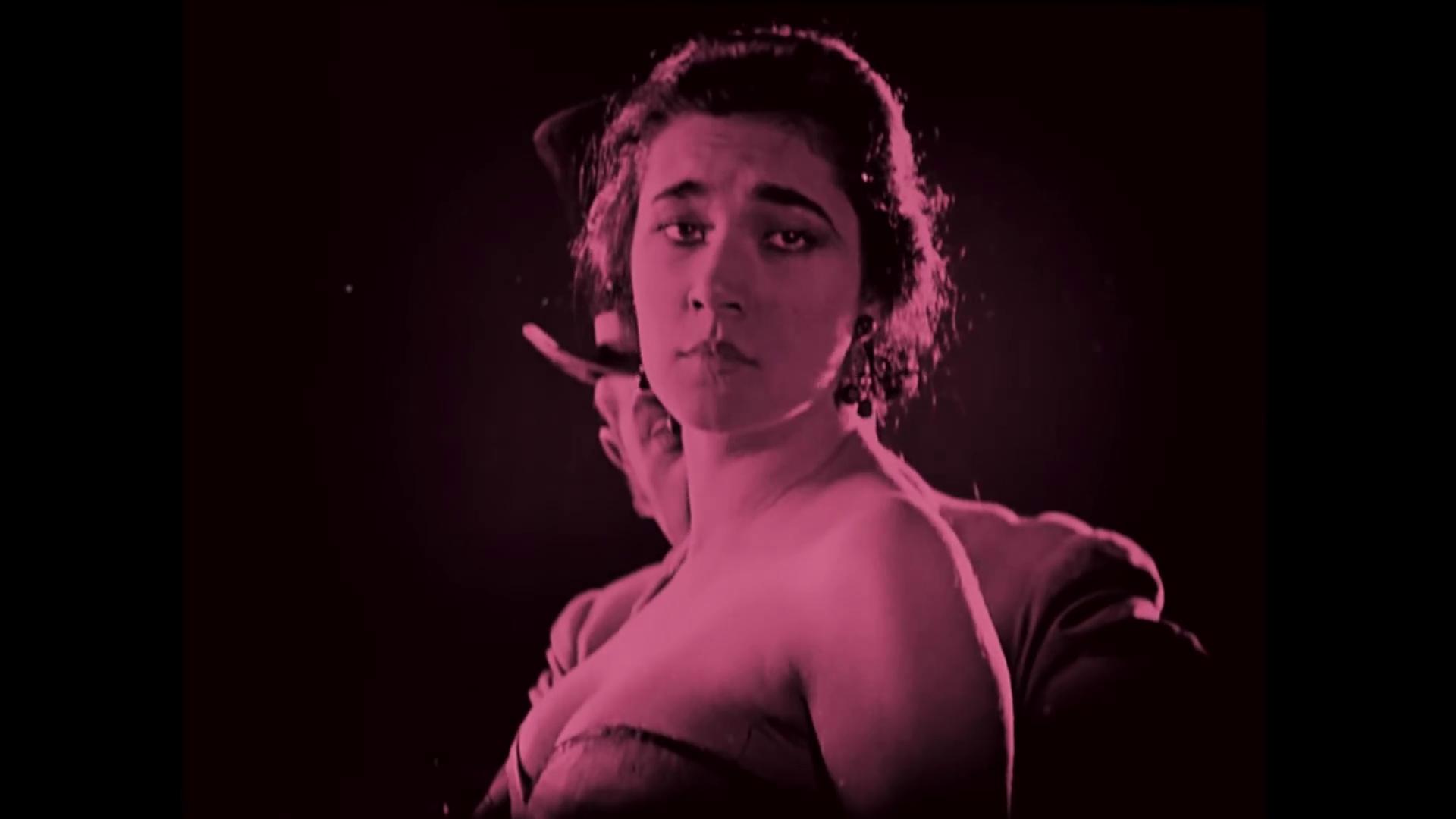 Nita Naldi dans le film Dr. Jekyll and Mr. Hyde (Docteur Jekyll et M. Hyde, 1920) de John S. Robertson