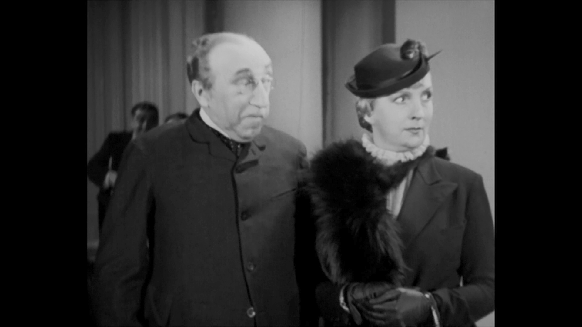 La présidente (1938) de Fernand Rivers : le ministre de la justice séduit la fausse épouse du magistrat (HD)