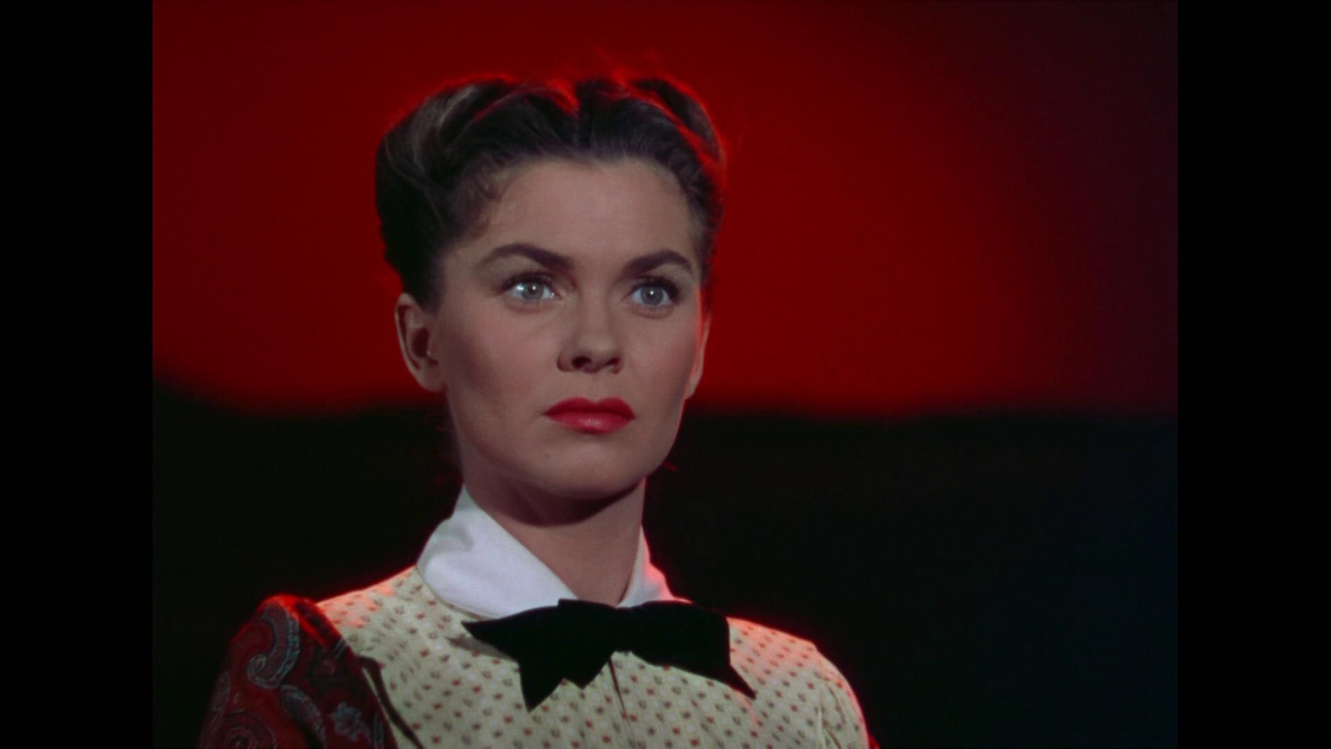 She Wore a Yellow Ribbon (La charge héroïque, 1949) de John Ford : le capitaine se rend sur la tombe de sa femme (HD)
