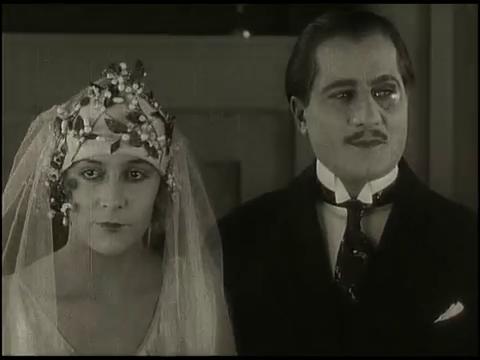 La dame masquée (1924) de Viatcheslav Tourjansky : le bal