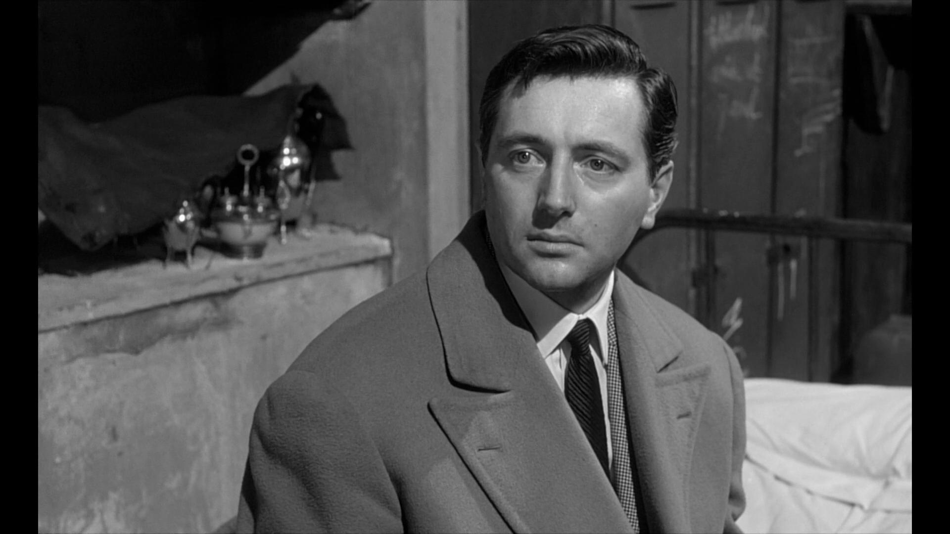 Classe tous risques (1960) de Claude Sautet : fusillade sur la plage; et descente de police (HD)