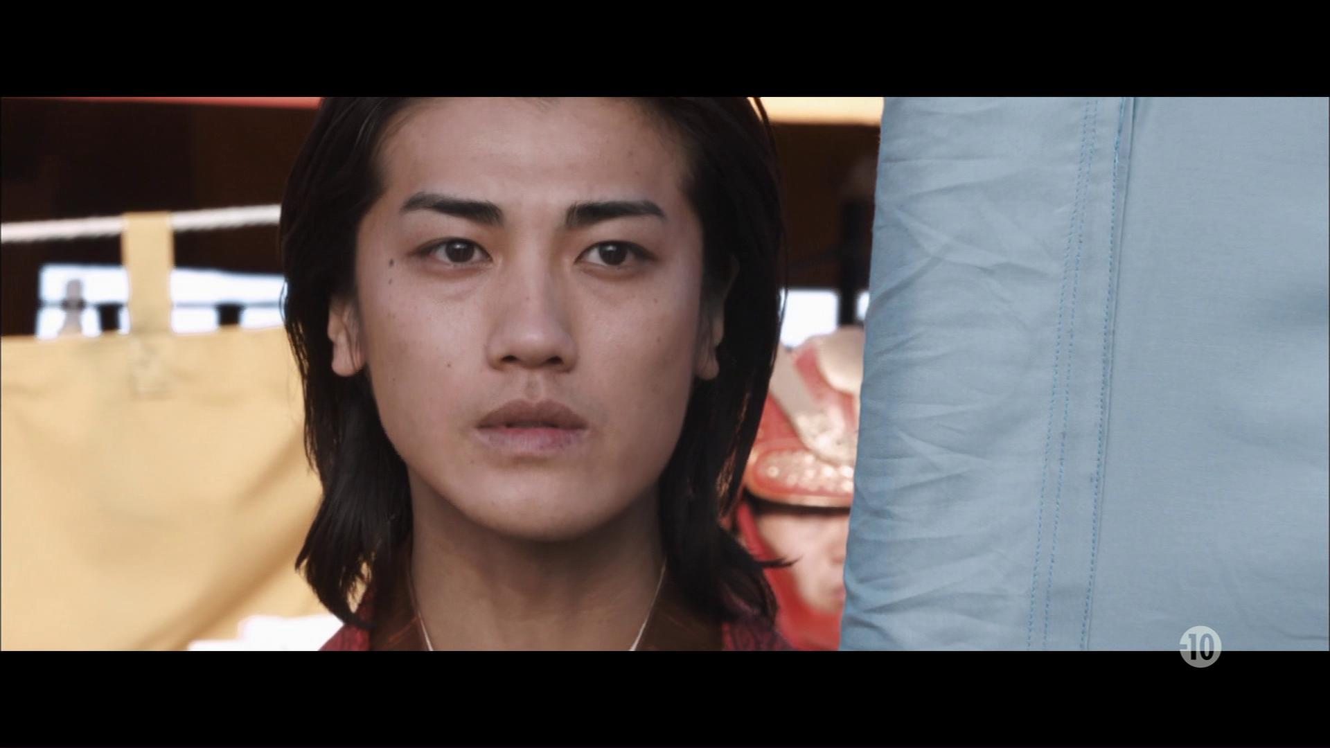 47 Ronin (2013) de Carl Erik Rinsch : le combat contre le géant; les Tengu; et la sorcière-dragon (HD)