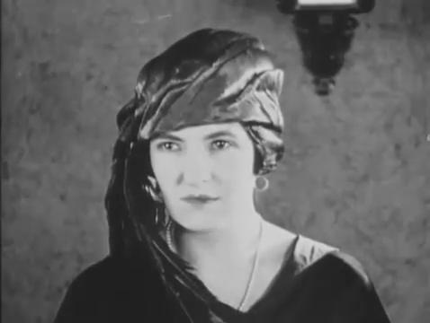 Myrtle Morse dans le film Haldane of the secret service