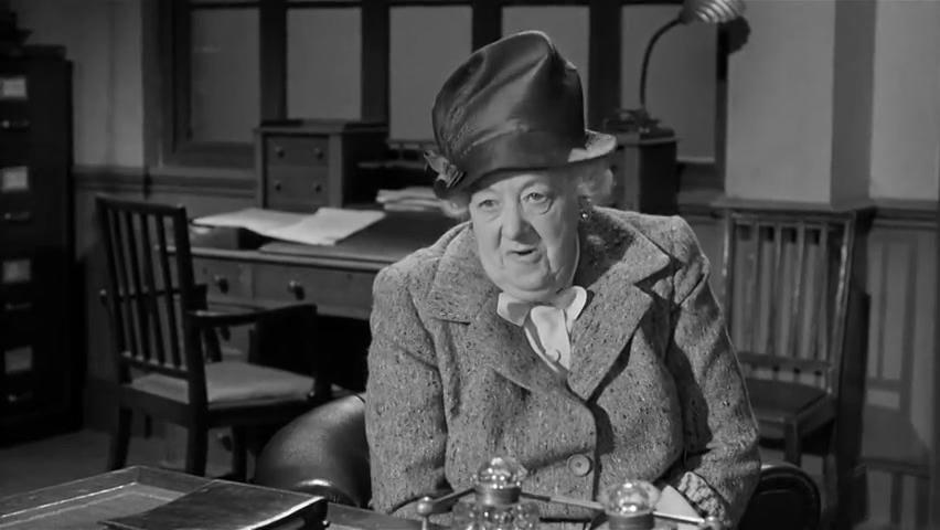 Margaret Rutherford est miss Marple dans le film Murder at the Gallop (Meurtre au galop, 1963) de George Pollock
