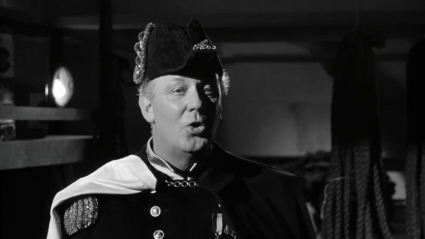 William Mervyn dans le film Murder ahoy (Passage à tabac, 1964) de George Pollock