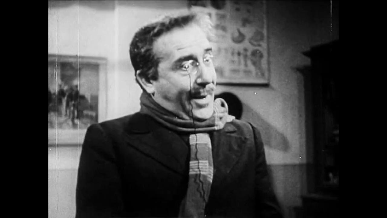 Luigi Pavese est le professeur Lari dans le film italien Cuore (Les belles années, 1948) de Duilio Coletti