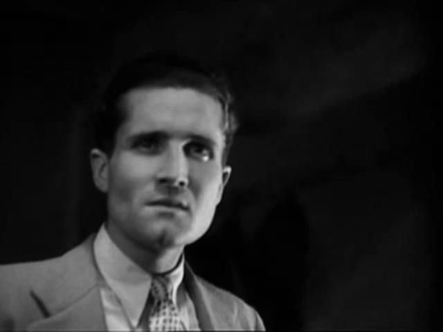 Marc Dantzer dans le film français Les cinq gentlemen maudits (1931) de Julien Duvivier