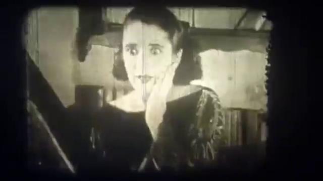 Claudia Victrix dans le film muet français Princesse Masha (1927) de René Leprince
