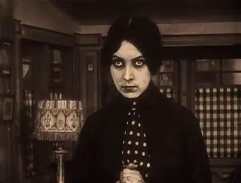 Musidora dans Judex (1916) de Louis Feuillade