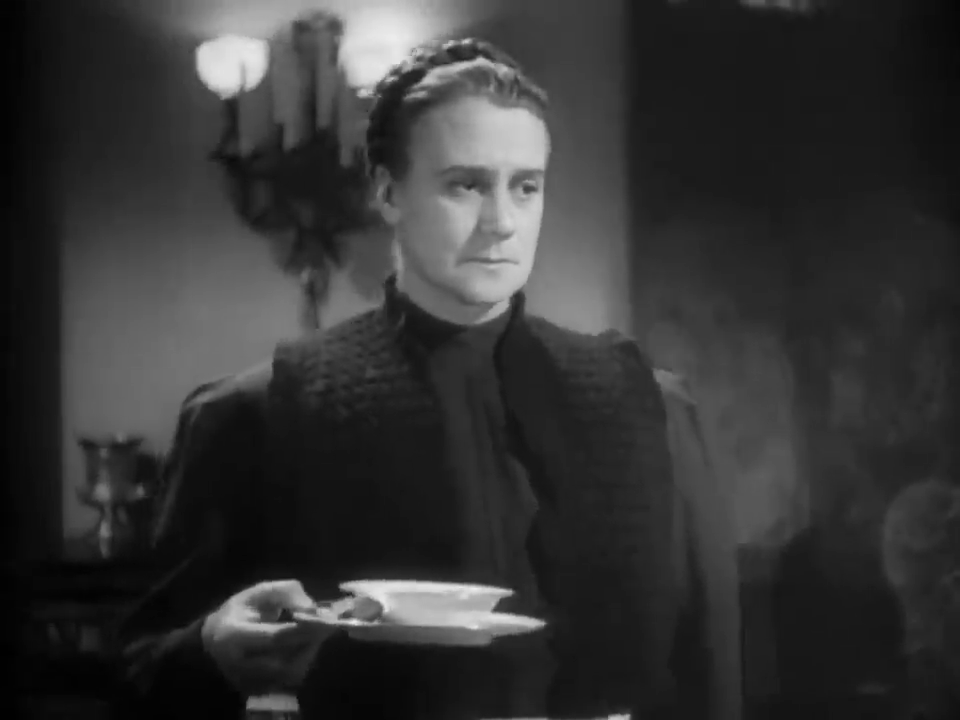 Sally Shepherd dans le film policier américain The house of fear (La maison de la peur, 1945) de Roy William Neill