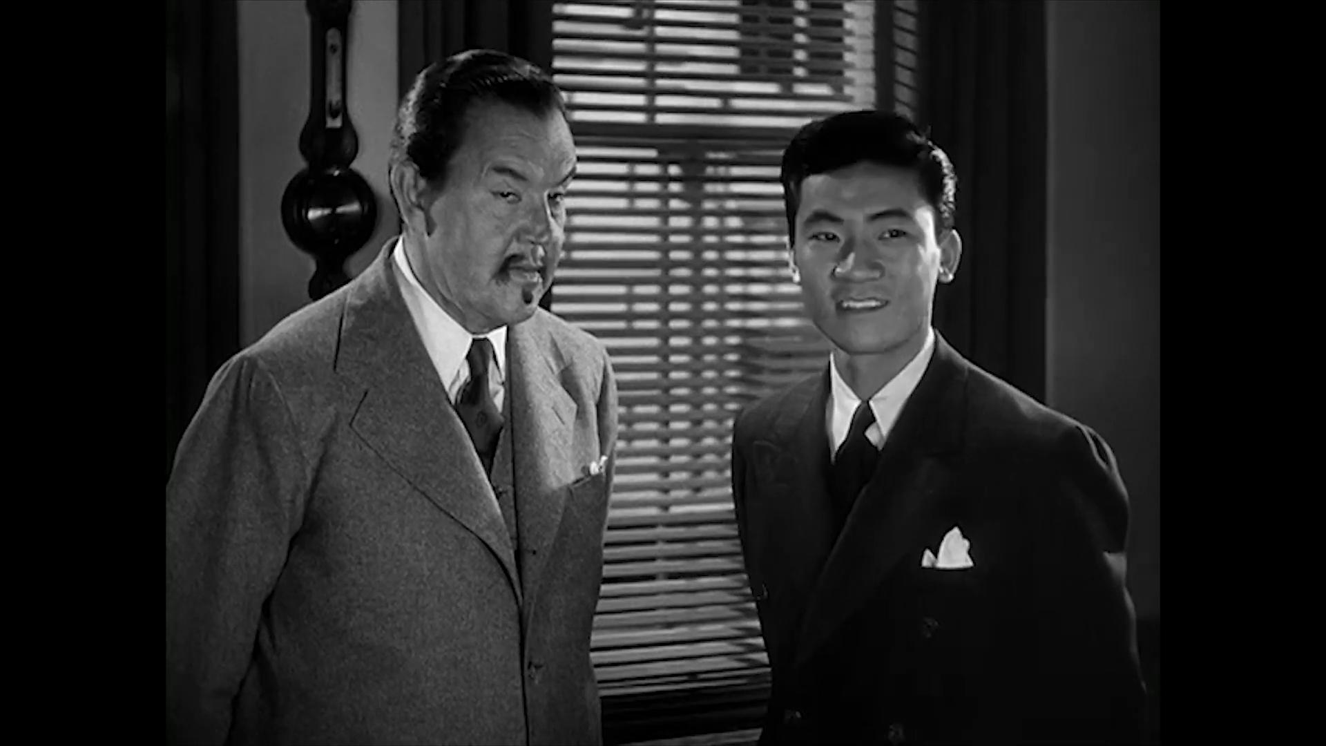 Sidney Toler et Sen Yung dans Charlie Chan at the Wax museum (1940) de Lynn Shores